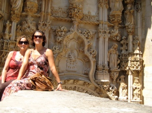 Jenny and Mo and some Manueline architecture -named after King Manuel 1 (Grand Master of the Order of Christ-1484)